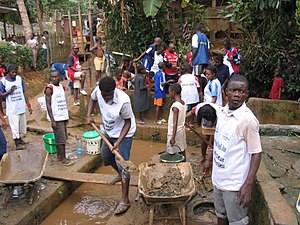 Yaounde clean up kids