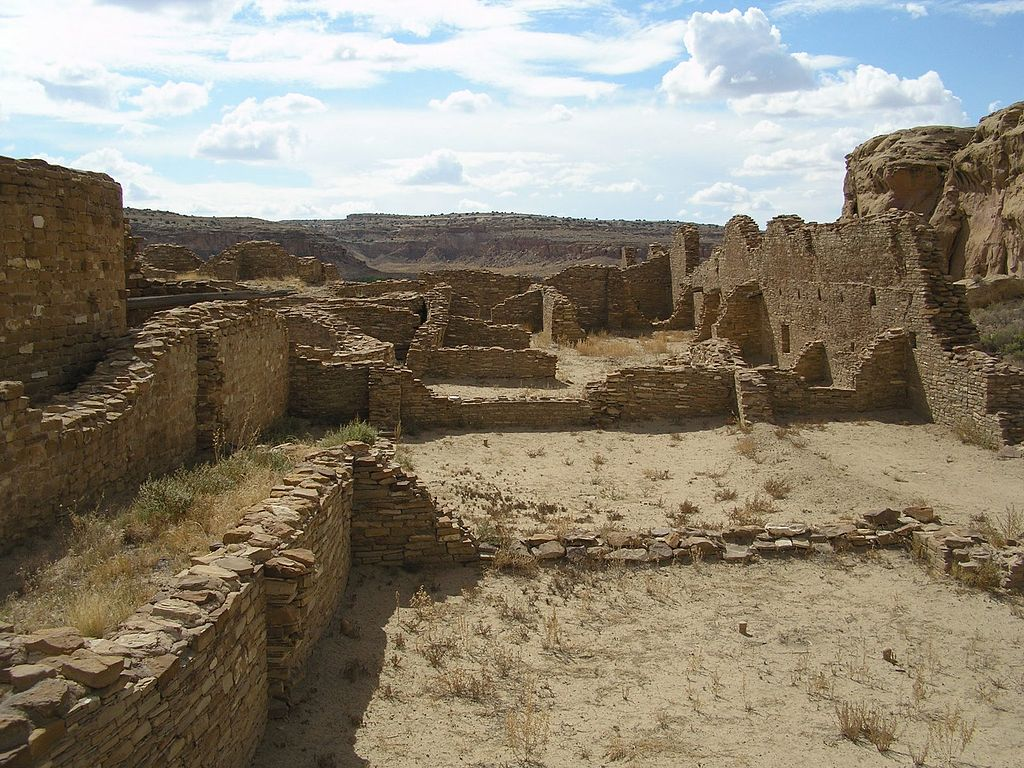 A color picture of the interior walls of a large sandstone ruin