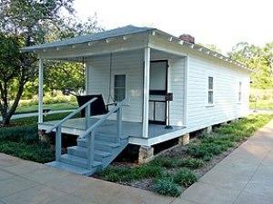 Shotgun house in Tupelo, Mississippi; birthpla...