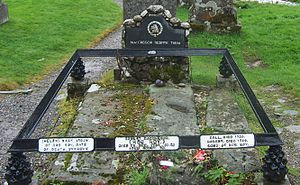 Grave of Rob Roy MacGregor, his widow and son.