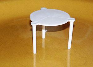 English: Plastic pizza saver - used to keep th...