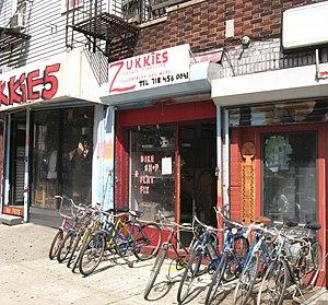 English: Looking northeast at Zukkie's Bike Sh...
