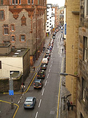English: Edinburgh: The Cowgate Evening traffi...
