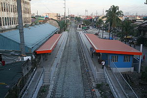Overhead view of Blumentritt railway station.