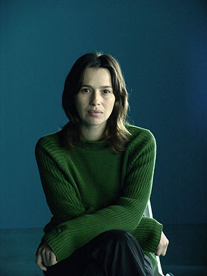 Español: La actriz española Ariadna Gil. Engli...