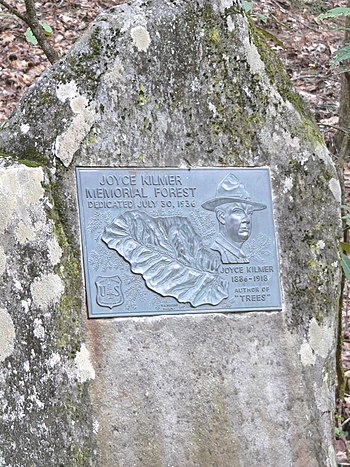 Dedication plaque to Joyce Kilmer (author of t...