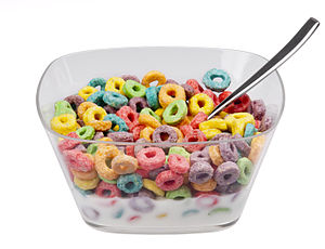 English: A bowl of Kellogg's Froot Loops cerea...