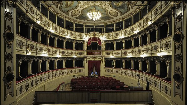 Teatro Giuseppe Verdi - Wikipedia