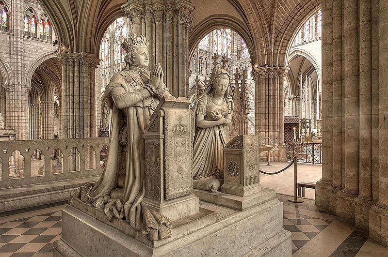 stylizowane nagrobki Ludwika XVI i Marii Antoniny