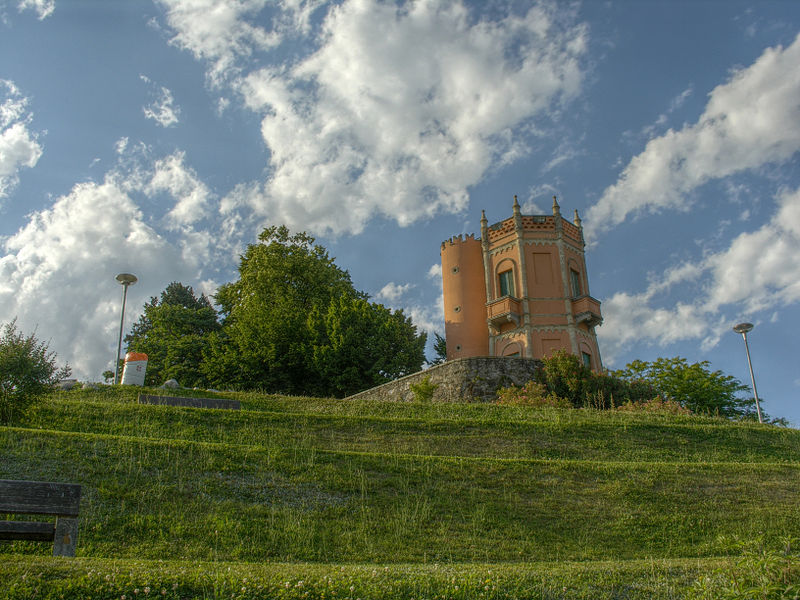 File:Lugano - Parco Tassino - Torre.jpg