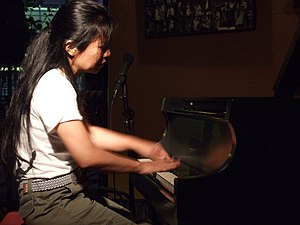 English: Japanese avant-garde jazz pianist and...