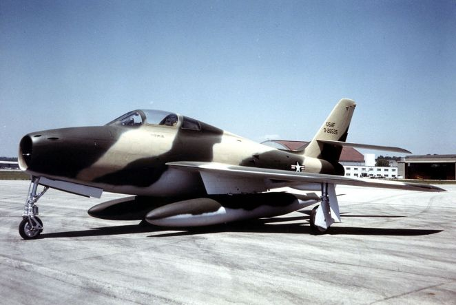 Republic F-84F Thunderstreak USAF.jpg