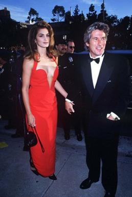 Red Versace dress of Cindy Crawford