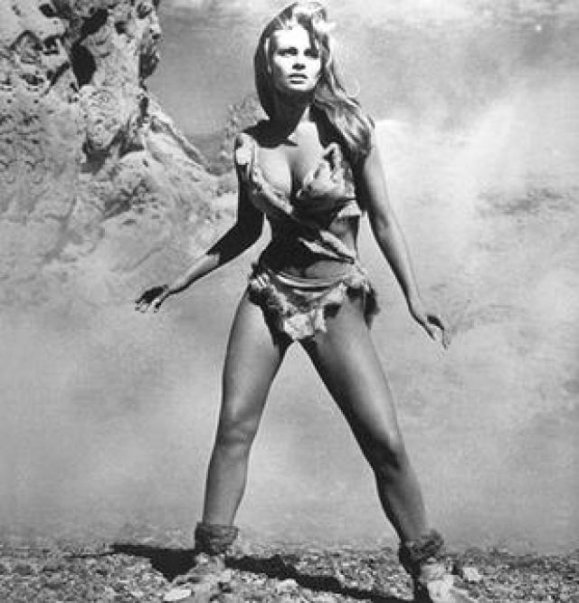 https://i1.wp.com/upload.wikimedia.org/wikipedia/en/b/b7/Raquel_Welch_in_deer-skin_bikini.jpg?resize=640%2C666&ssl=1