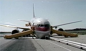 Air Canada flight 143 landed on an auto dragst...