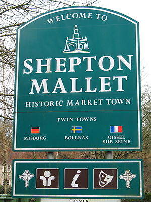 Welcome to Shepton Mallet sign