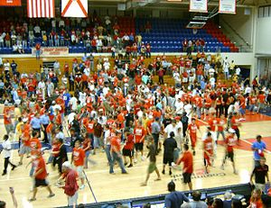 Florida Atlantic students celebrating a basket...