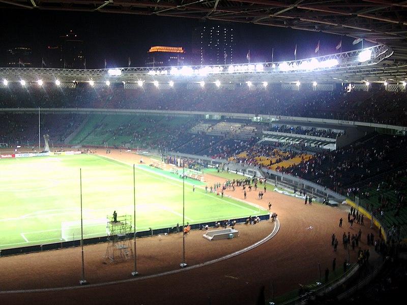 Berkas:Stadion senayan dalam.jpg