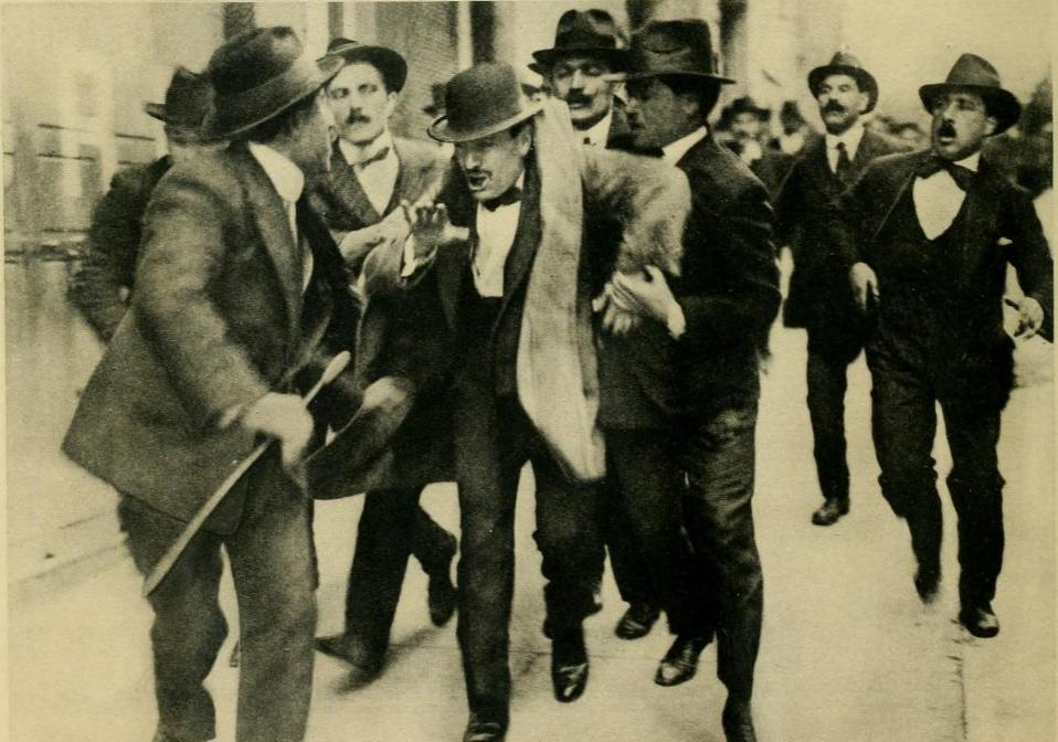 While Mussolini was arrested in Rome on 11 April 1915 after a rally in favor of interventionism in the war.