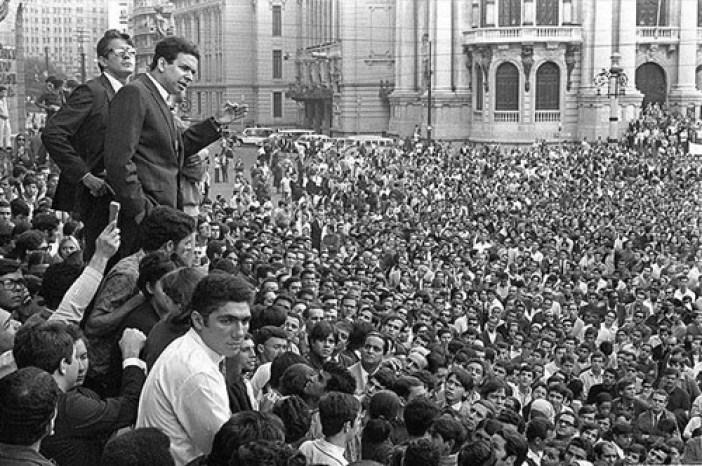Resultado de imagem para 1968 no brasil manchetes