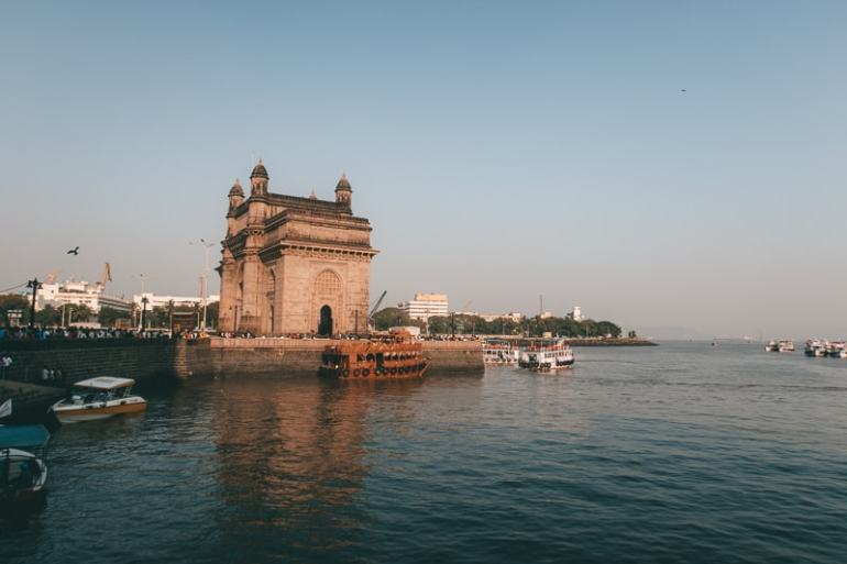 gateway of india best place to visit in mumbai in one day