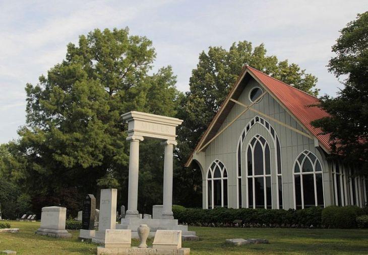 Elmwood Cemetery Chapel