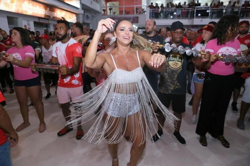 Viviane Araujo ( Fotos Anderson Borde / AgNews )