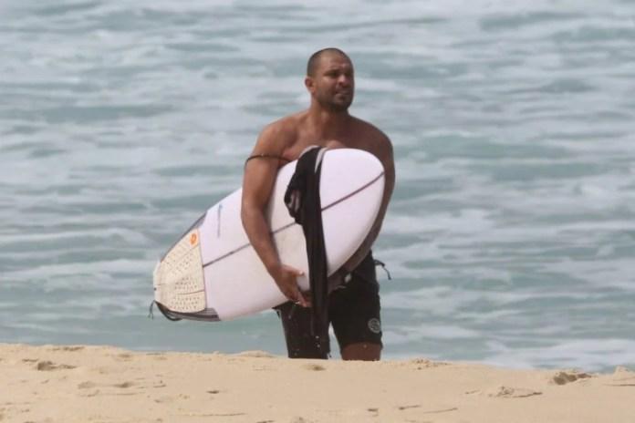 Diogo Nogueira na praia