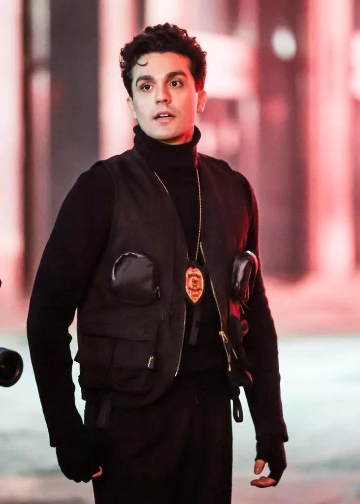 luan santana dressed as a cop in a brunette clip