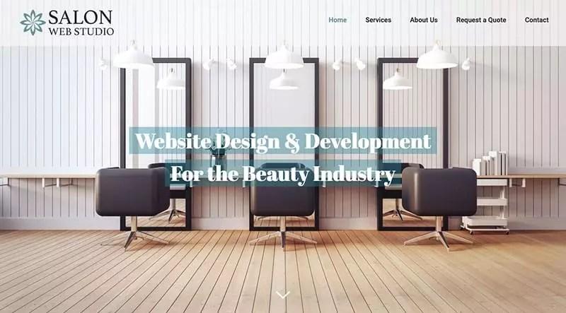 Un exemple de conception de site Web de salon de beauté, avec des chaises de salon