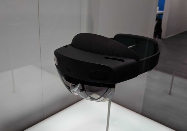 HoloLens 2 MWC hands-on