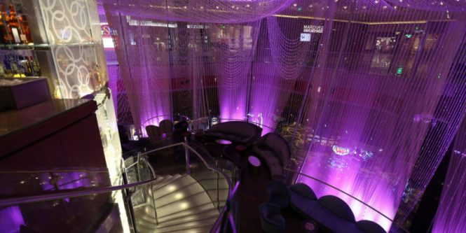 The Chandelier Bar At Cosmopolitan Hotel In Las Vegas Review Uponarriving