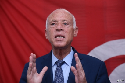 Tunisian presidential candidate and law professor Kais Saied speaks during a press conference in Tunis, Sept. 17, 2019.