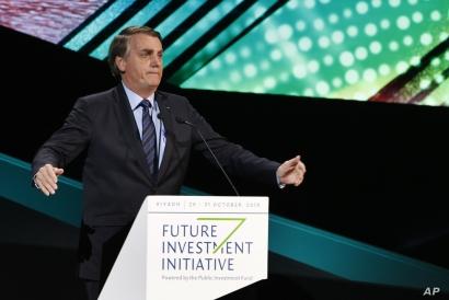 Brazilian President Jair Bolsonaro speaks during the Future Investment Initiative forum in Riyadh, Saudi Arabia, Wednesday, Oct…