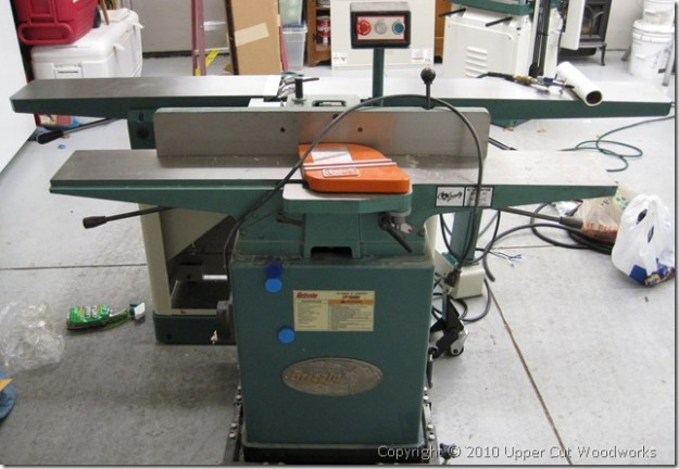 "Comparison shot of Grizzly 8"" jointer and Grizzly 6"" jointer"