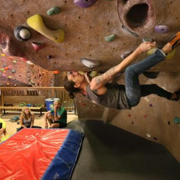 bouldering at upper limits downtown st. louis best indoor rock climbing gym 1