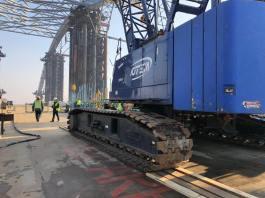 Будівництво Подільського мостового переходу триває у вихідні дні
