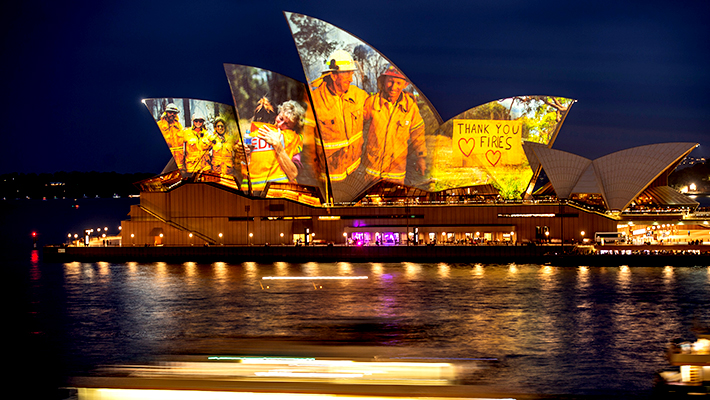 Sydneys Opera House Paid Tribute To The Firefighters Battling Australias Wildfires