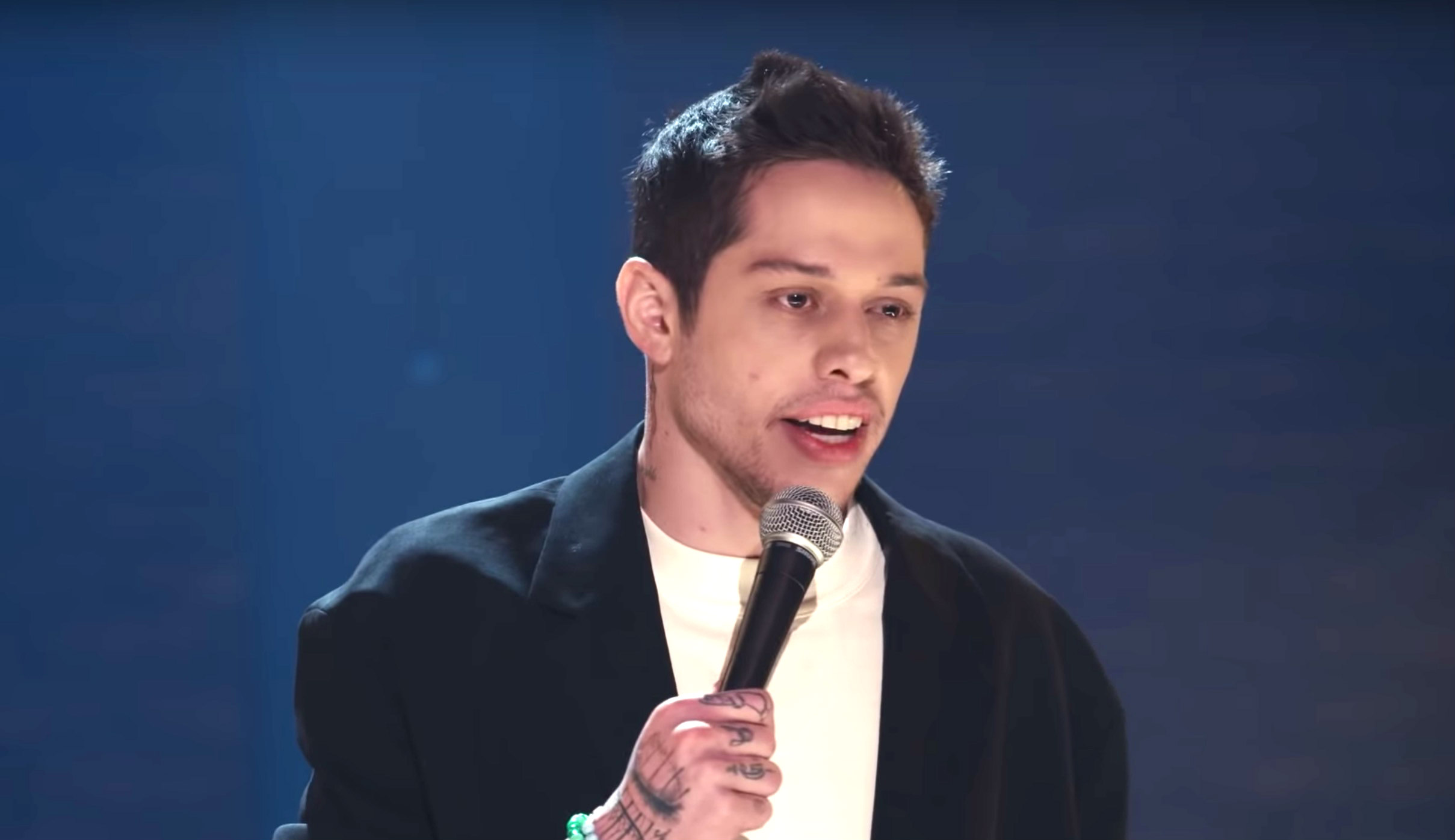 Pete Davidson Is Alive From New York In The Trailer For His First Netflix Special