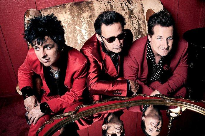 Green Day. Photo by  Pamela Littky  (Insta:  @pamelalittky )