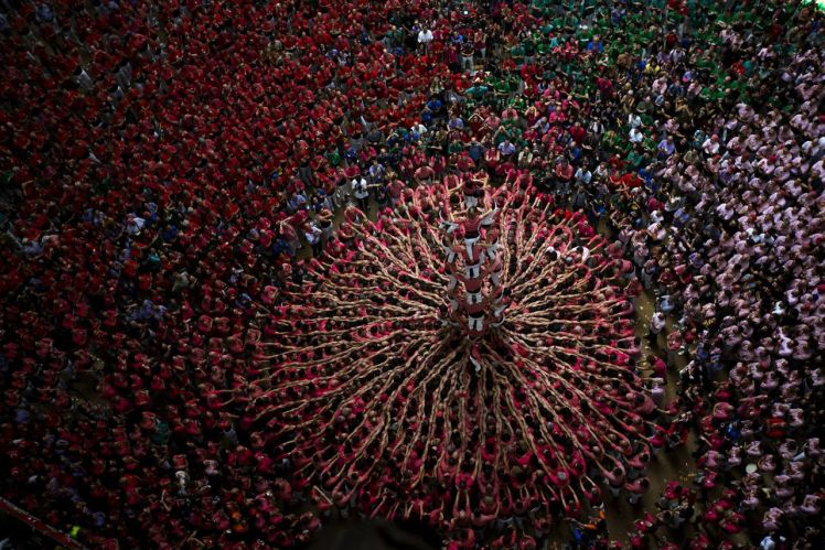the Spanish tradition of Castells by Emilio Morenatti