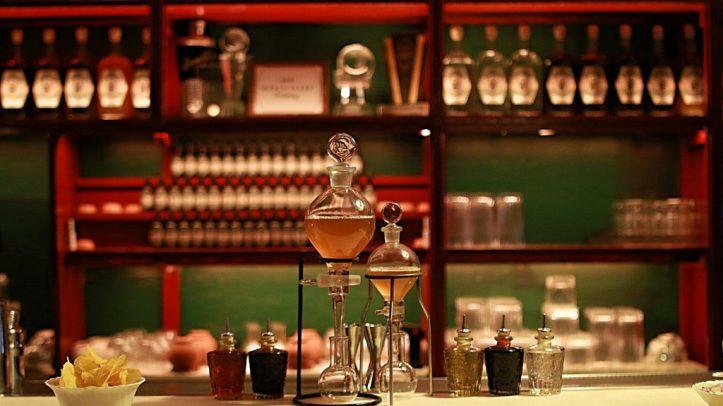 DR STRAVINSKY barcelona bar