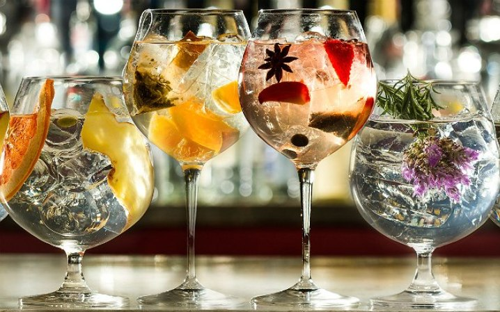 Gin Tonic bar crawl in barcelona