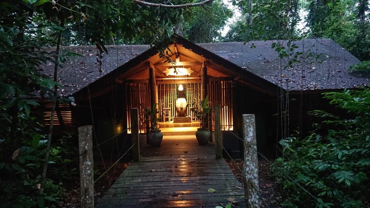 Sukau Rainforest Lodge  kinabantagan river broadwalk