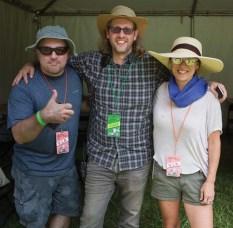 Billy Zero (center)