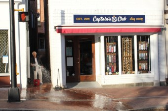 UpSTART_1_KeithBurns_CaptainsClub_LivingPostcard