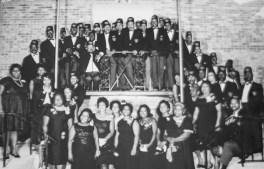 Members of the Peerless Rens and Rennetts Social Club.