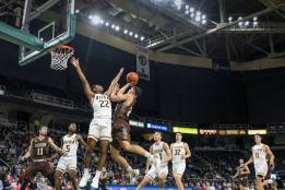 Siena men's basketball playing in a game against Lehigh on Nov. 21, 2018 at Times Union Center. Photo: Robert Dungan/The Upstate Courier