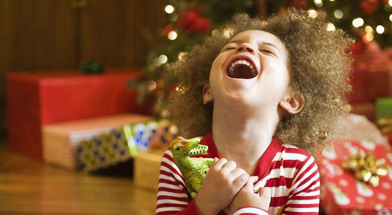 7 presentes que os pais têm de dar aos filhos neste Natal