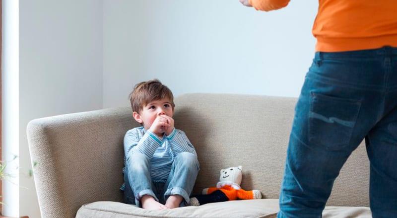 12 frases que NUNCA deve dizer aos seus filhos